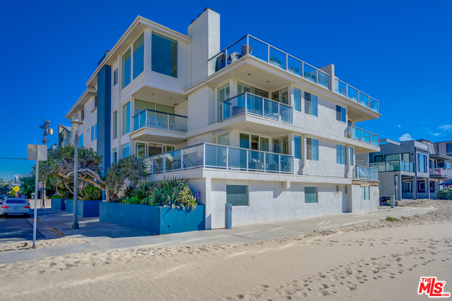 Photo of 4 Quarterdeck St #102, MARINA DEL REY, CA 90292