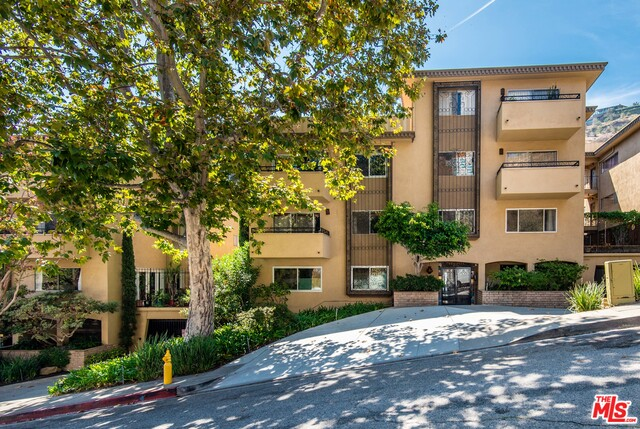 Photo of 6748 HILLPARK DR #406, LOS ANGELES, CA 90068