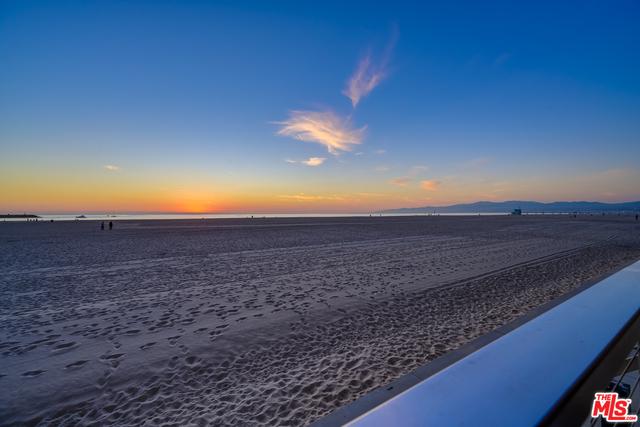 Photo of 1 Spinnaker St #2, Marina Del Rey, CA 90292