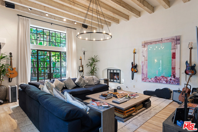 23111 Mariposa De Oro St, Malibu, California 90265, 5 Bedrooms Bedrooms, ,7 BathroomsBathrooms,Residential,For Sale,Mariposa De Oro,20-669956