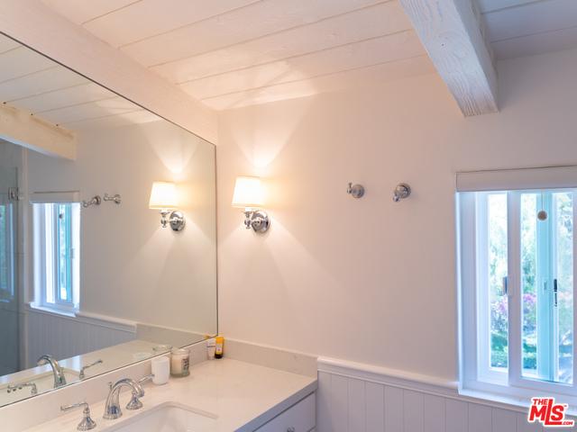 28182 Rey De Copas Ln, Malibu, California 90265, 3 Bedrooms Bedrooms, ,3 BathroomsBathrooms,Residential,For Sale,Rey De Copas,20-671686