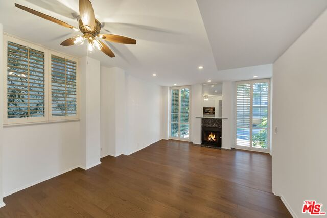 Photo of 142 S Clark Dr #102, West Hollywood, CA 90048