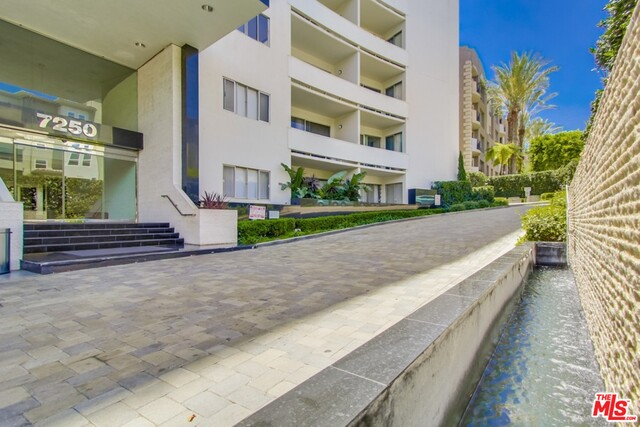Photo of 7250 Franklin Ave #315, Los Angeles, CA 90046