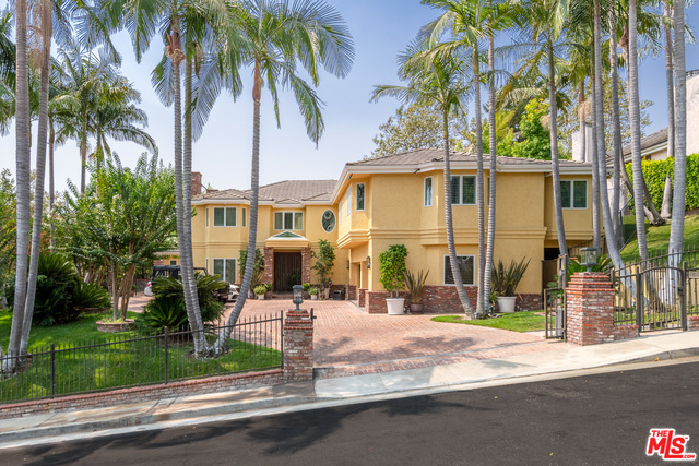 Photo of 9844 Whitwell Dr, Beverly Hills, CA 90210