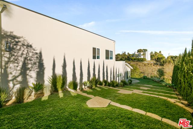 28932 Beach Ln, Malibu, California 90265, 4 Bedrooms Bedrooms, ,3 BathroomsBathrooms,Residential,For Sale,Beach,20-674170