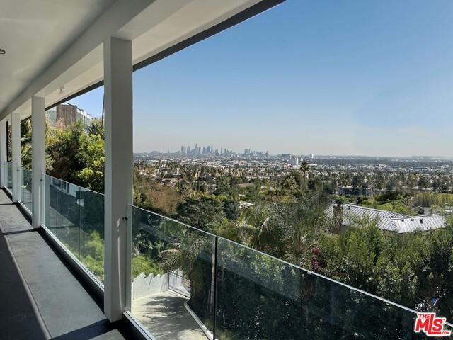 Photo of 1830 N Stanley Ave, Los Angeles, CA 90046