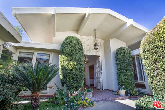 Photo of 1091 Acanto Pl, Los Angeles, CA 90049
