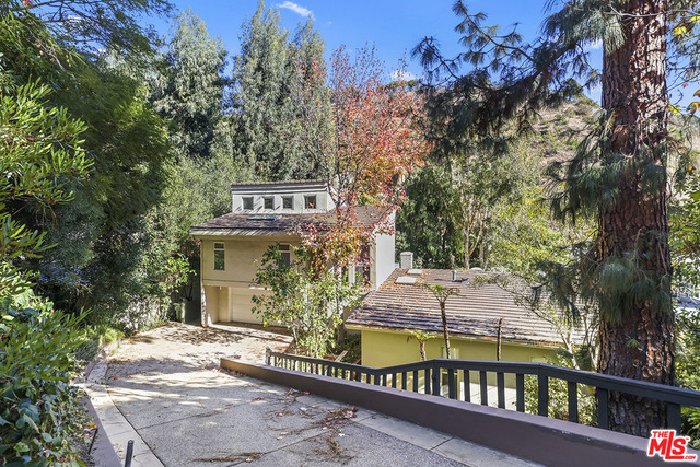 Photo of 1840 N Beverly Dr, Beverly Hills, CA 90210