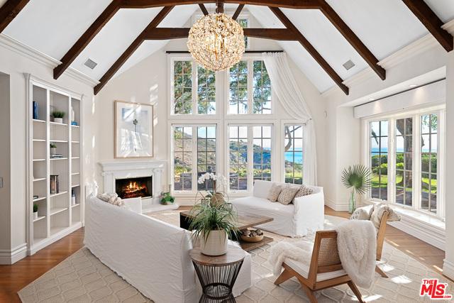 20990 Las Flores Mesa Dr, Malibu, California 90265, 4 Bedrooms Bedrooms, ,3 BathroomsBathrooms,Residential,For Sale,Las Flores Mesa,21-676048