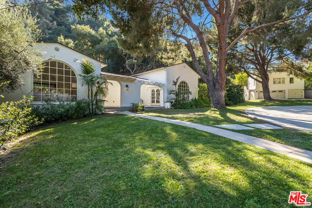 Photo of 2653 N Vermont Ave, Los Angeles, CA 90027
