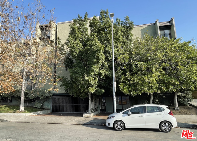 Photo of 724 S Stanley Ave #7, Los Angeles, CA 90036