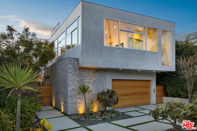 Photo of 635 Pacific St, Santa Monica, CA 90405