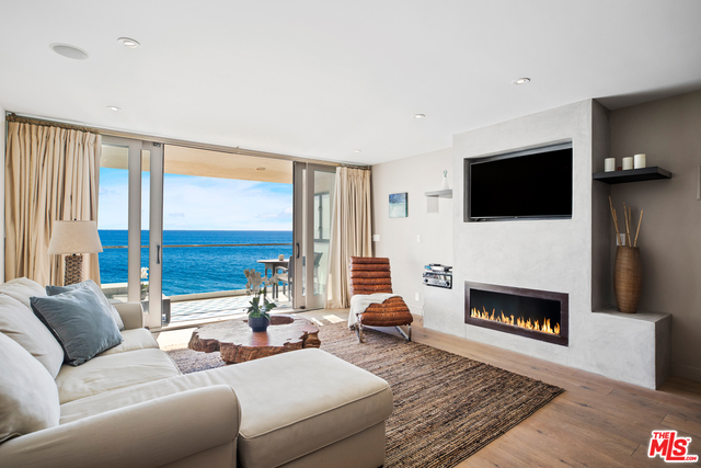 20612 Pacific Coast Hwy, Malibu, California 90265, 3 Bedrooms Bedrooms, ,3 BathroomsBathrooms,Residential,For Sale,Pacific Coast,21-677216