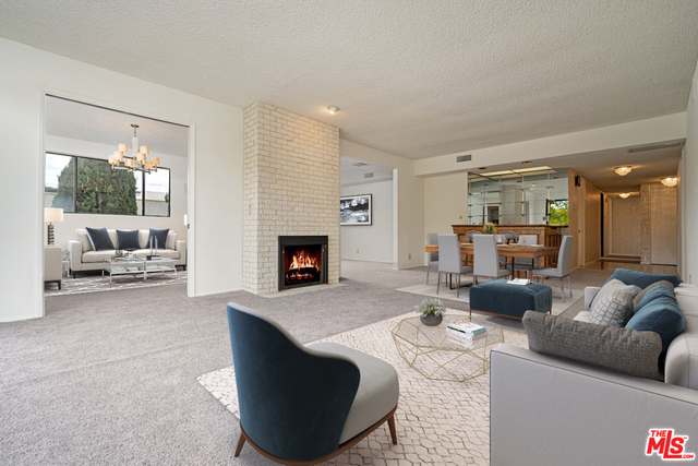 Photo of 423 N Palm Dr #307, Beverly Hills, CA 90210