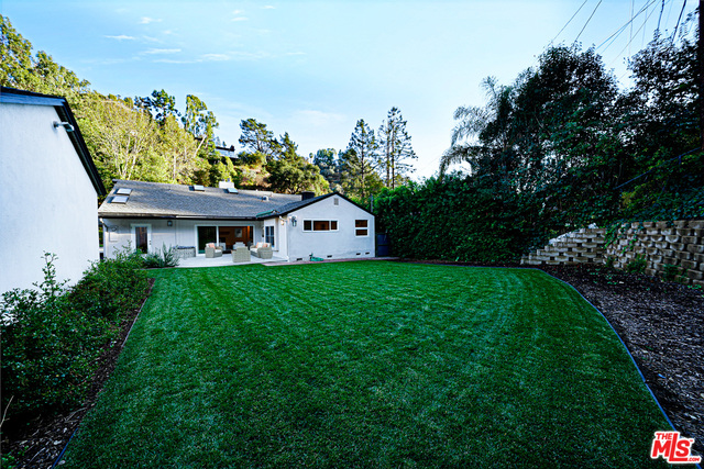 Photo of 1609 Roscomare Rd, Los Angeles, CA 90077