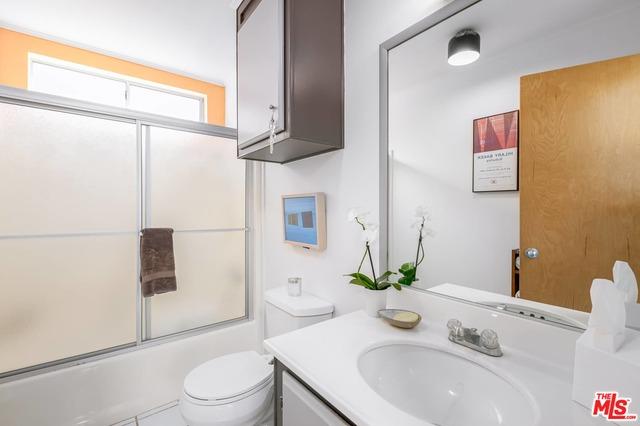 17015 Pacific Coast Hwy, Pacific Palisades, California 90272, 2 Bedrooms Bedrooms, ,2 BathroomsBathrooms,Residential,For Sale,Pacific Coast,21-678690
