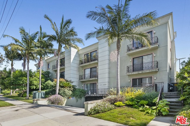 16000 Sunset Blvd, Pacific Palisades, California 90272, 2 Bedrooms Bedrooms, ,2 BathroomsBathrooms,Residential,For Sale,Sunset,21-679124