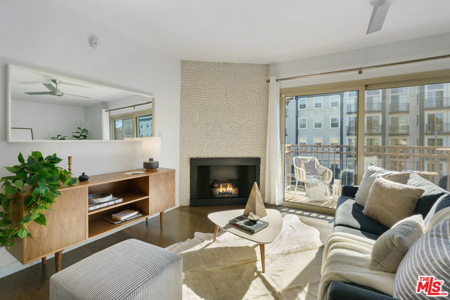 Photo of 141 S Clark Dr #402, West Hollywood, CA 90048