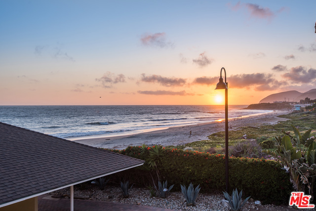 11770 PACIFIC COAST HWY, MALIBU, California 90265, 3 Bedrooms Bedrooms, ,3 BathroomsBathrooms,Residential,For Sale,PACIFIC COAST,21-679334
