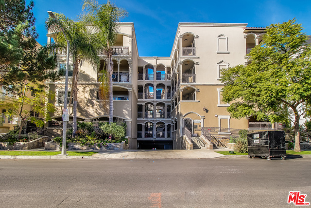 Photo of 423 Arnaz Dr #301, Los Angeles, CA 90048