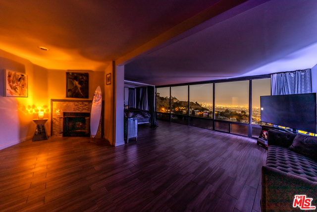 Photo of 2189 Sunset Plaza Dr, Los Angeles, CA 90069