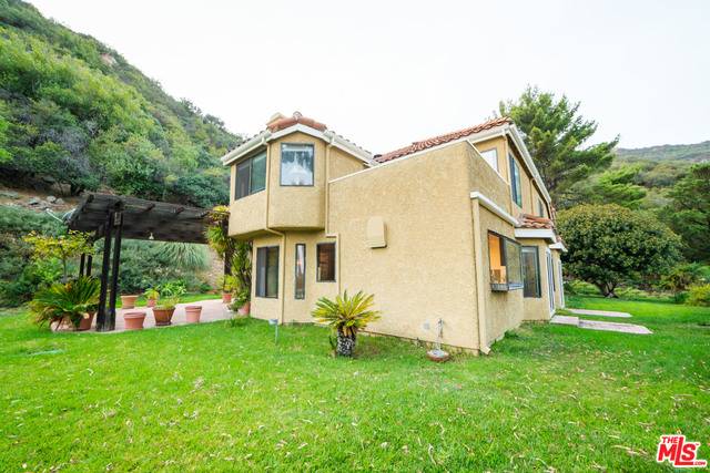 23442 Copacabana St, Malibu, California 90265, 4 Bedrooms Bedrooms, ,3 BathroomsBathrooms,Residential,For Sale,Copacabana,21-680406