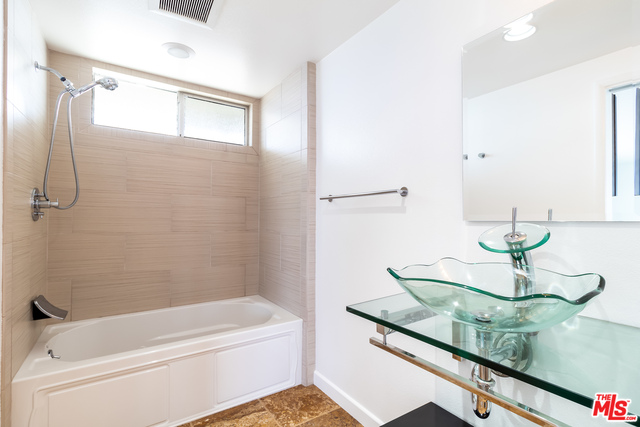 11948 WHITEWATER LN, MALIBU, California 90265, 2 Bedrooms Bedrooms, ,2 BathroomsBathrooms,Residential,For Sale,WHITEWATER,21-680928