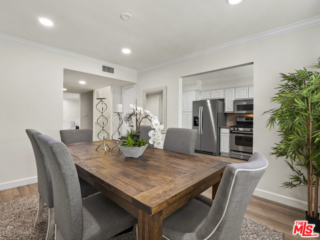 Photo of 1433 S Beverly Dr, Los Angeles, CA 90035