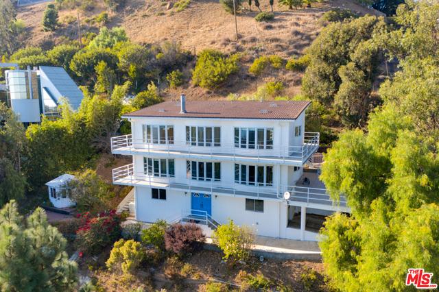 21733 Castlewood Dr, Malibu, California 90265, 4 Bedrooms Bedrooms, ,3 BathroomsBathrooms,Residential Lease,For Sale,Castlewood,21-682226