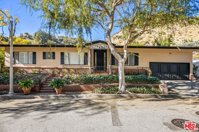 Photo of 1229 Chantilly Rd, Los Angeles, CA 90077