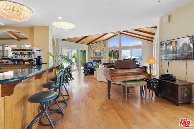 29130 Cliffside Dr, Malibu, California 90265, 5 Bedrooms Bedrooms, ,6 BathroomsBathrooms,Residential,For Sale,Cliffside,21-683870