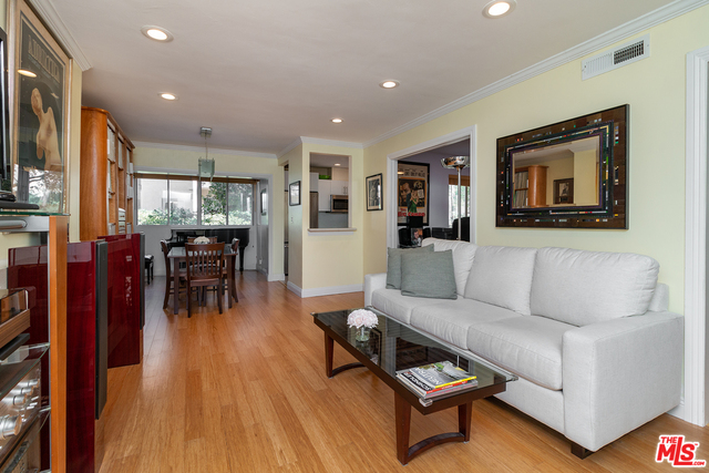 Photo of 7110 Summertime Ln, Culver City, CA 90230