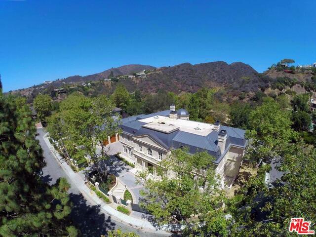Photo of 11630 Moraga Ln, Los Angeles, CA 90049