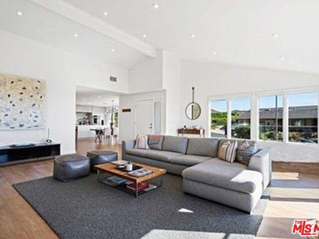 20413 Roca Chica Dr, Malibu, California 90265, 4 Bedrooms Bedrooms, ,4 BathroomsBathrooms,Residential,For Sale,Roca Chica,21-684972