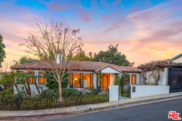Photo of 3809 Amesbury Rd, Los Angeles, CA 90027