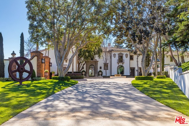 Photo of 30 Beverly Park Ter, Beverly Hills, CA 90210
