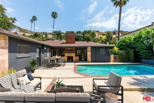 Photo of 1619 N Beverly Dr, Beverly Hills, CA 90210