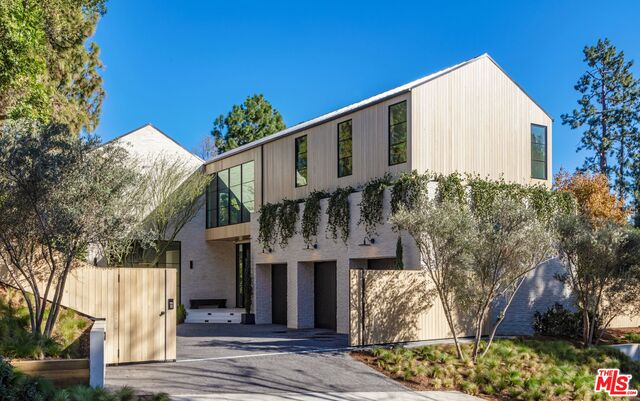Photo of 1054 Angelo Dr, Beverly Hills, CA 90210