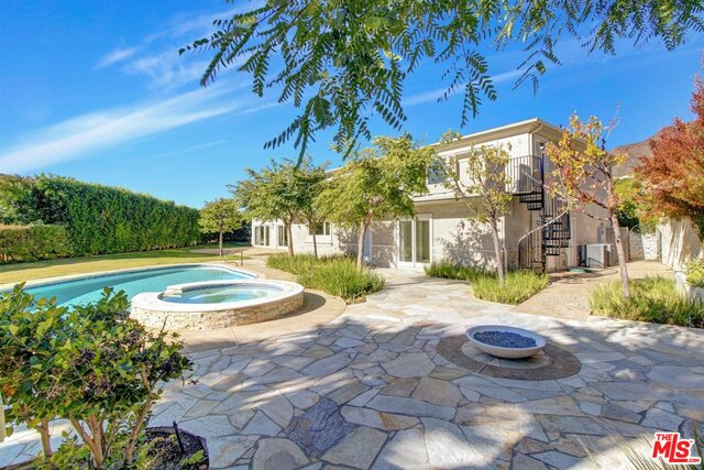 Photo of 380 SURFVIEW Dr, Pacific Palisades, CA 90272