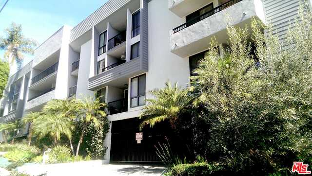 Photo of 906 N Doheny Dr #301, West Hollywood, CA 90069