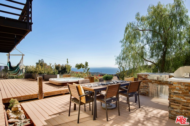 21625 Saddle Peak Rd, Topanga, California 90290, 4 Bedrooms Bedrooms, ,3 BathroomsBathrooms,Residential,For Sale,Saddle Peak,21-687562
