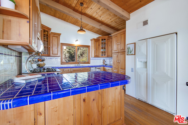 21625 Saddle Peak Rd, Topanga, California 90290, 4 Bedrooms Bedrooms, ,3 BathroomsBathrooms,Residential,For Sale,Saddle Peak,21-687562