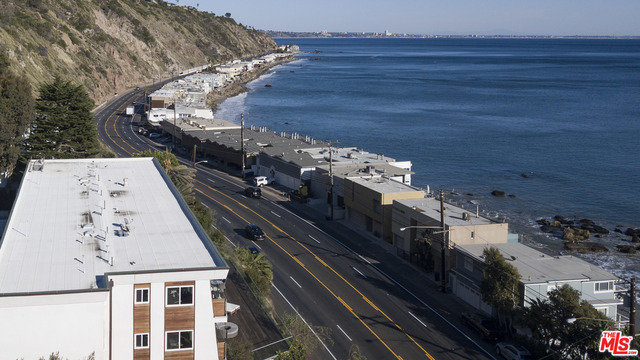 20747 PACIFIC COAST HWY, MALIBU, California 90265, 1 Bedroom Bedrooms, ,1 BathroomBathrooms,Residential Lease,For Sale,PACIFIC COAST,21-688188