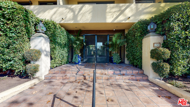 Photo of 1318 N Crescent Heights Blvd #206, West Hollywood, CA 90046