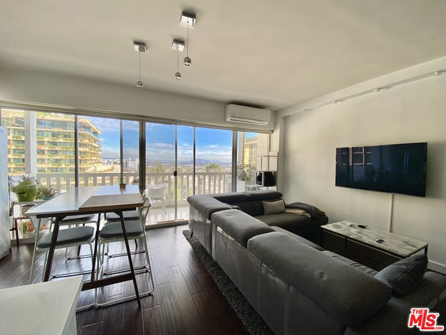 Photo of 999 N Doheny Dr #605, West Hollywood, CA 90069