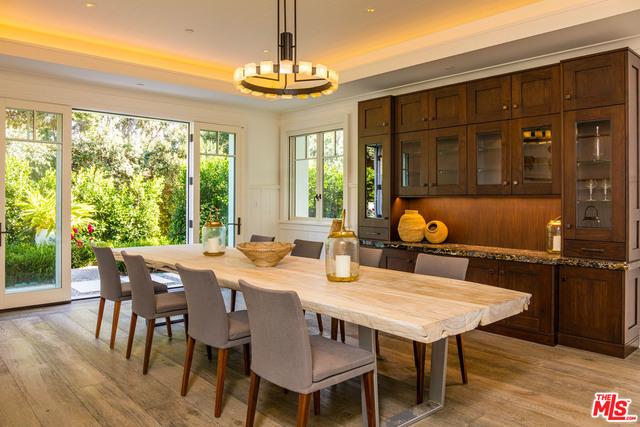 33740 Pacific Coast Hwy, Malibu, California 90265, 6 Bedrooms Bedrooms, ,8 BathroomsBathrooms,Residential Lease,For Sale,Pacific Coast,21-688856