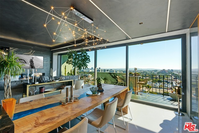 Photo of 818 N Doheny Dr #1404, West Hollywood, CA 90069