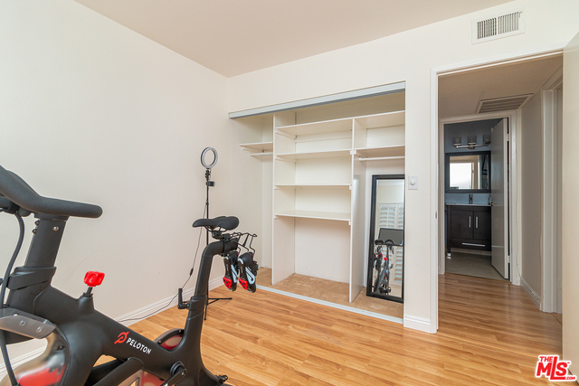 Photo of 2103 Summertime Ln, Culver City, CA 90230