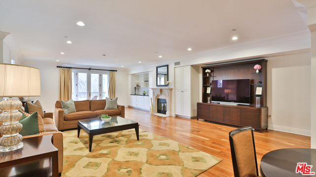 Photo of 261 S Reeves Dr #205, Beverly Hills, CA 90212