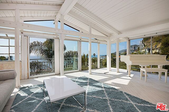 Photo of 17747 Revello Dr, Pacific Palisades, CA 90272